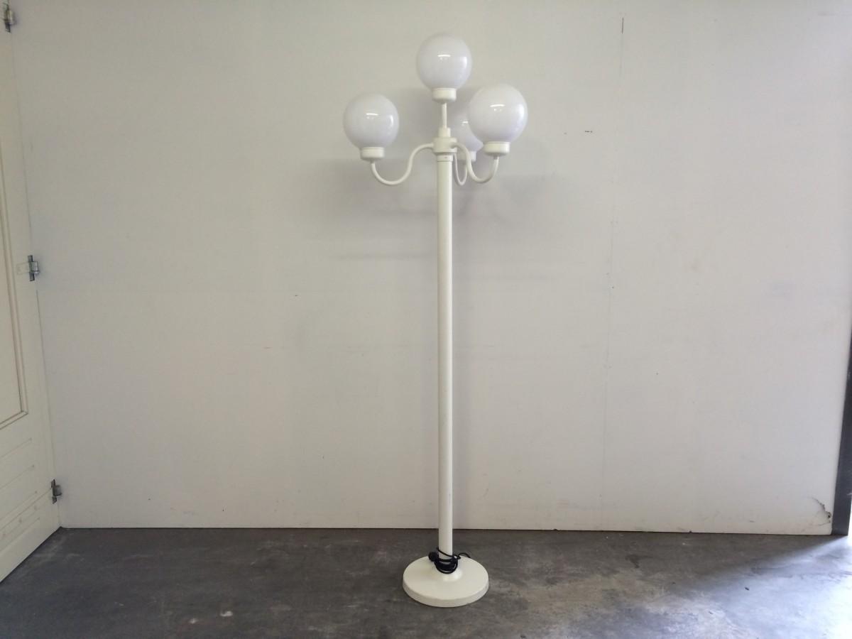 Verlichting lantaarn parijse bol wit huur de stage bv for Bol com verlichting